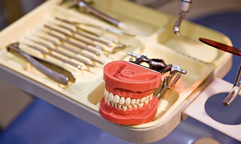 cosmetic dentist to restore your smile